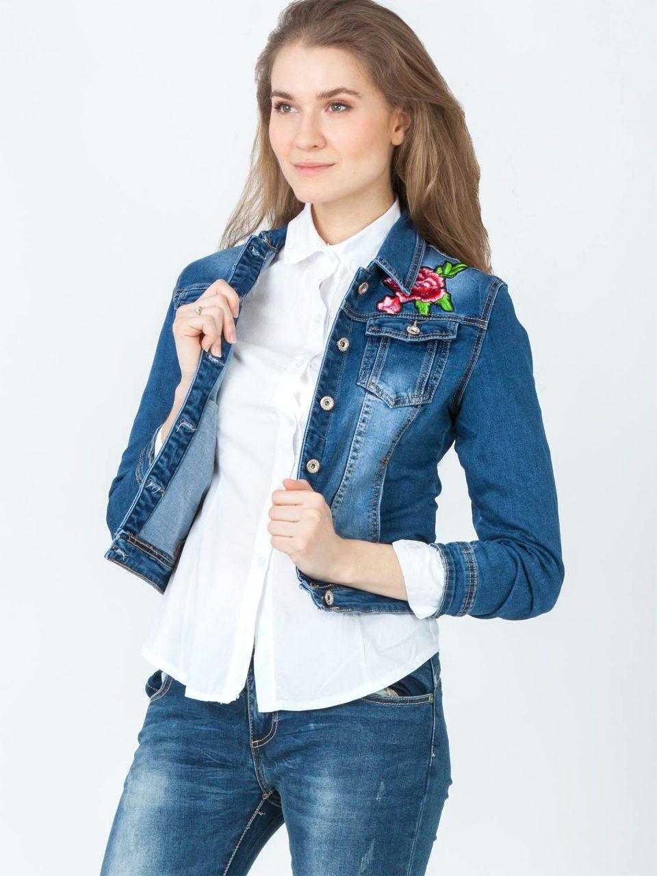 kurtka jeansowa zdobiona haftem
