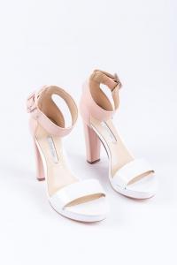 Buty damskie z materiałów syntetycznych – czy warto?